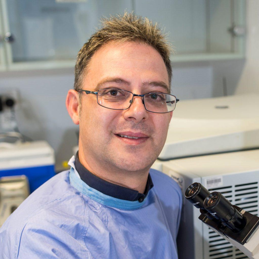 Dr Steven Petratos